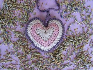 Horgolt szív illatpárna - levendulával töltve - levendula szín árnyalataiban   Mirtusz : Szív világnapja 2. - 13 + 1 Szívderítő Mirtusz-szív