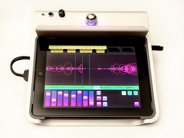 iPad Music Desk with the Curtis generative music app running by moonbear3325.