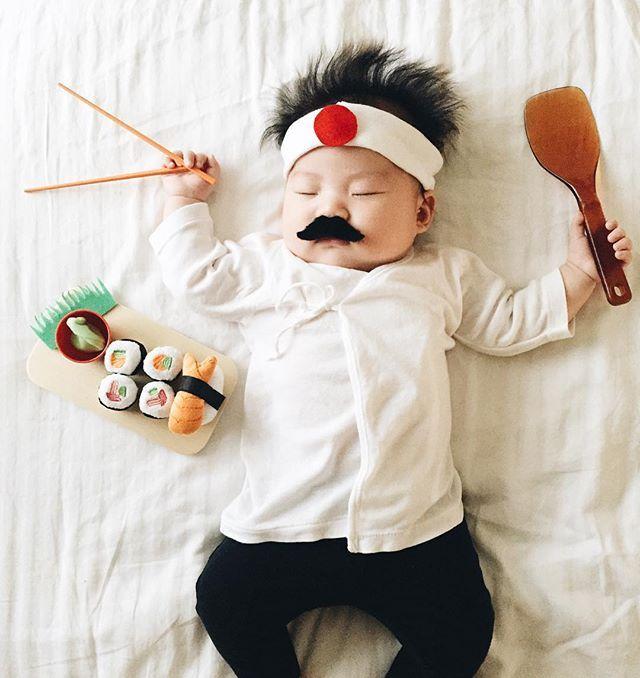 Dieses Baby wird fotografiert, indem es jedes Mal, wenn es ein Nickerchen macht, ein unglaubliches Kostüm trägt  – Parenting Tips + Tricks