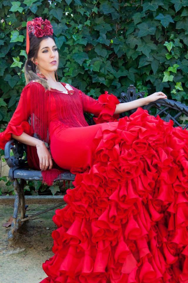 ▶️ Traje de flamenca rojo mil volantes  Diseño exclusivo de Viviana Iorio ▶️ Colección 2015, Sevilla, España  info@vivianaioriotrajesdeflamenca.com