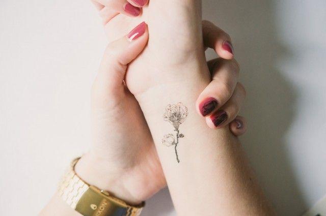 Image tatouage rose discret tatoo pinterest image tatouage tatouage roses et discret - Tatouage petite rose ...