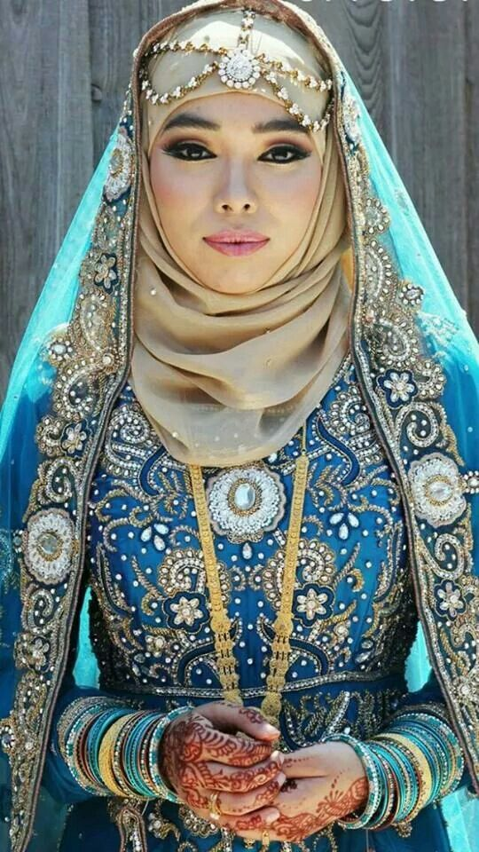 love everything about this. It is quite stunning. #hijabi #outfit #eid #nikah #wedding #muslim #fashion #sequin #blue #gold #embellished