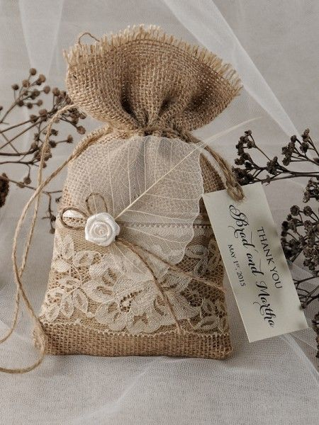 Rustic country burlap and lace wedding favor bags #rusticwedding