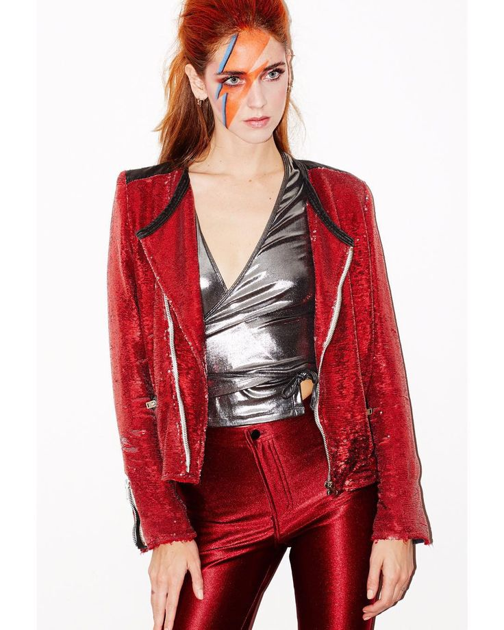 Love this stylish David Bowie Halloween costume look.