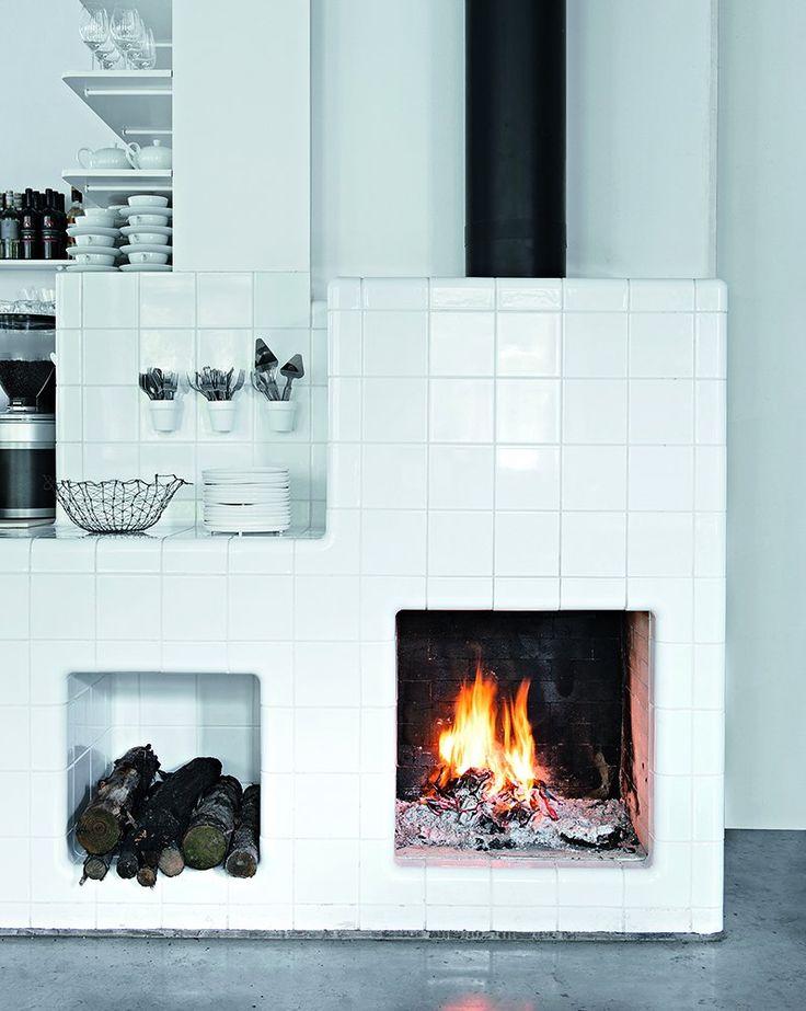 Une cheminée qui évoque les poêles d'autrefois - Marie Claire Maison