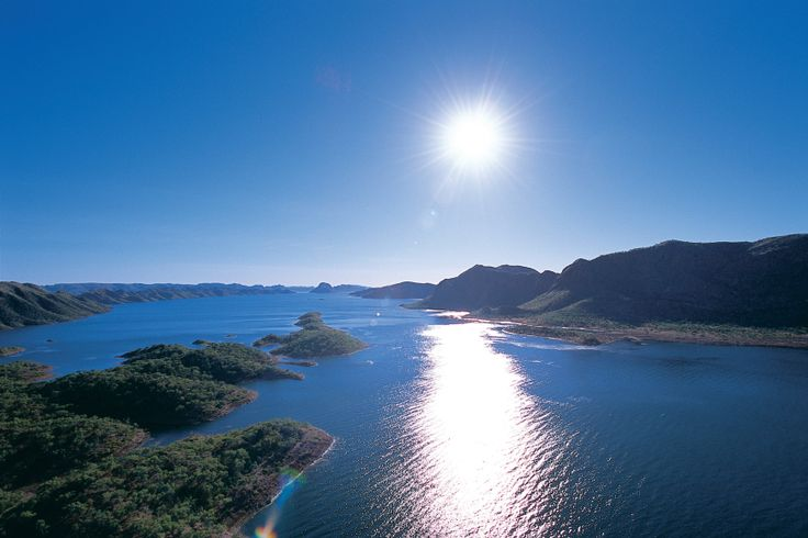 This morning we explore Australia's largest man-made lake, Lake Argyle. Take an optional cruise on the lake before we cross the border into the Northern Territory and set up camp at Victoria River.