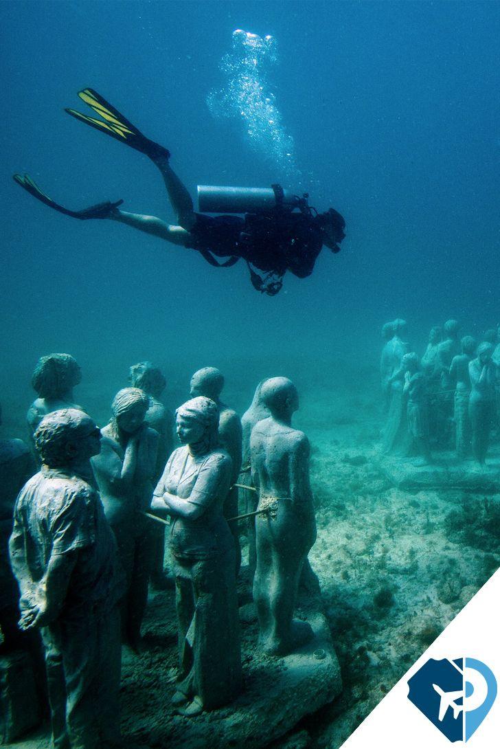 """""""El #Museo Subacuático de #Arte o #MUSA es un museo ubicado bajo el #mar del #Caribe #mexicano , en #Cancún e #IslaMujeres. #PonteaViajar con #Travelpidia"""