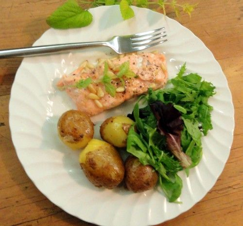 Healthy pregnancy meal salmon with pine nuts