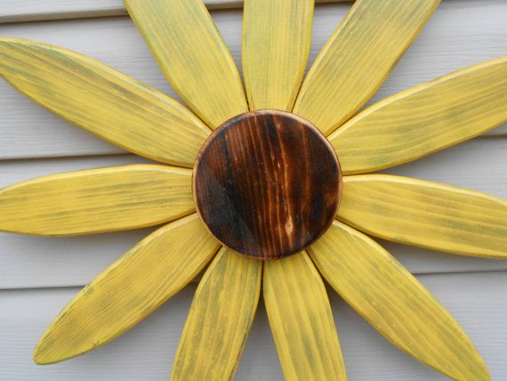 Large wooden sunflower lawn ornament