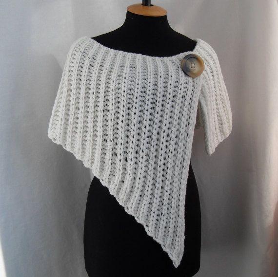Asimmetrica in maglia avvolgente scialle