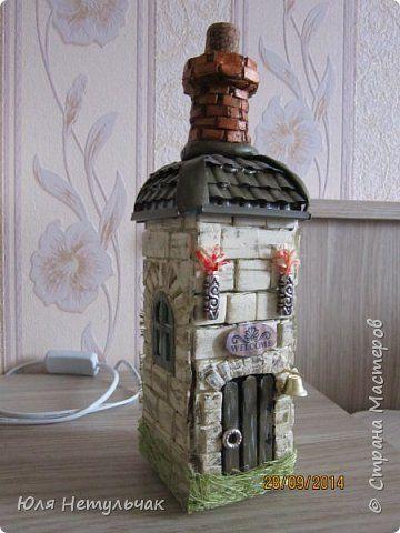 Декор предметов Ассамбляж Замок из бутылки Бутылки стеклянные Краска Материал бросовый Пенопласт фото 6