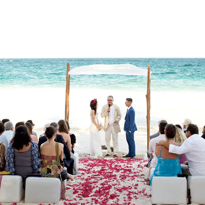 Beach Wedding Ceremony Ideas: Casual Beach Wedding Ceremony