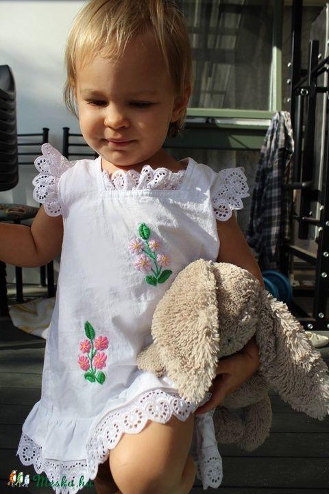 A vonalú madeirás kézzel hímzett  lányka ruha. (peteryeva) - Meska.hu