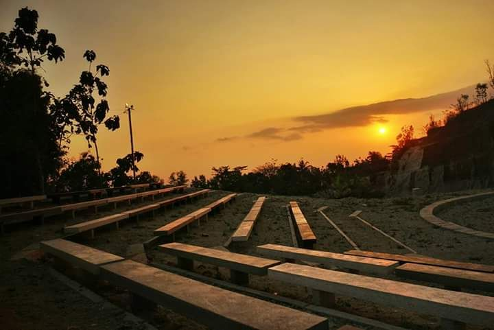 Menjemput Senja di Tebing Breksi Yogyakarta