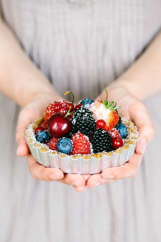 Der Sommer ist da und es gibt Beeren satt - in Tartelettes mit Pudding machen sie sich besonders gut!