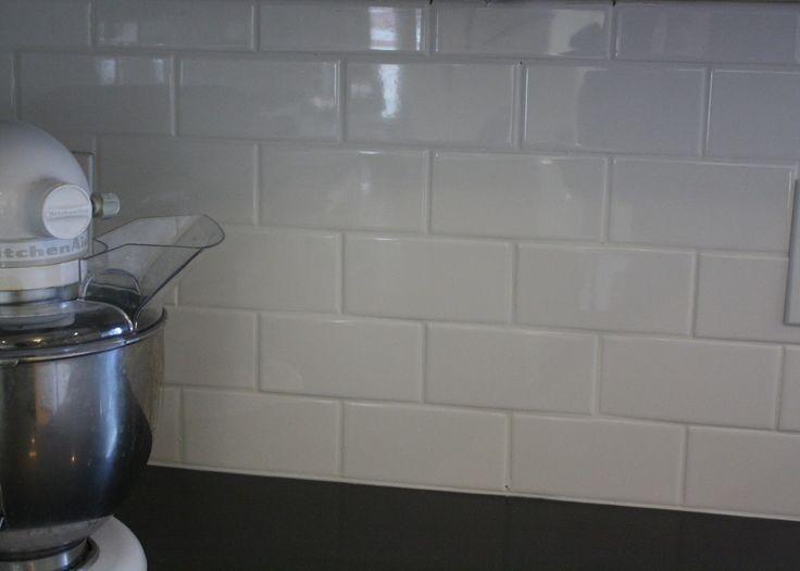 Best No Grout Glass Tile Backsplash Love The Pure White 400 x 300