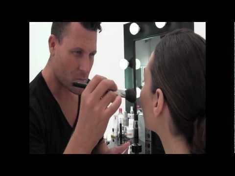 The Classic Red Lip Tutorial from my Beauty Blog at www.anthonymerantebeauty.com    www.anthonymerante.com