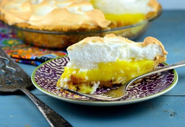 The ultimate lemon meringue pie recipe pastries for Lemon meringue pie with graham cracker crust