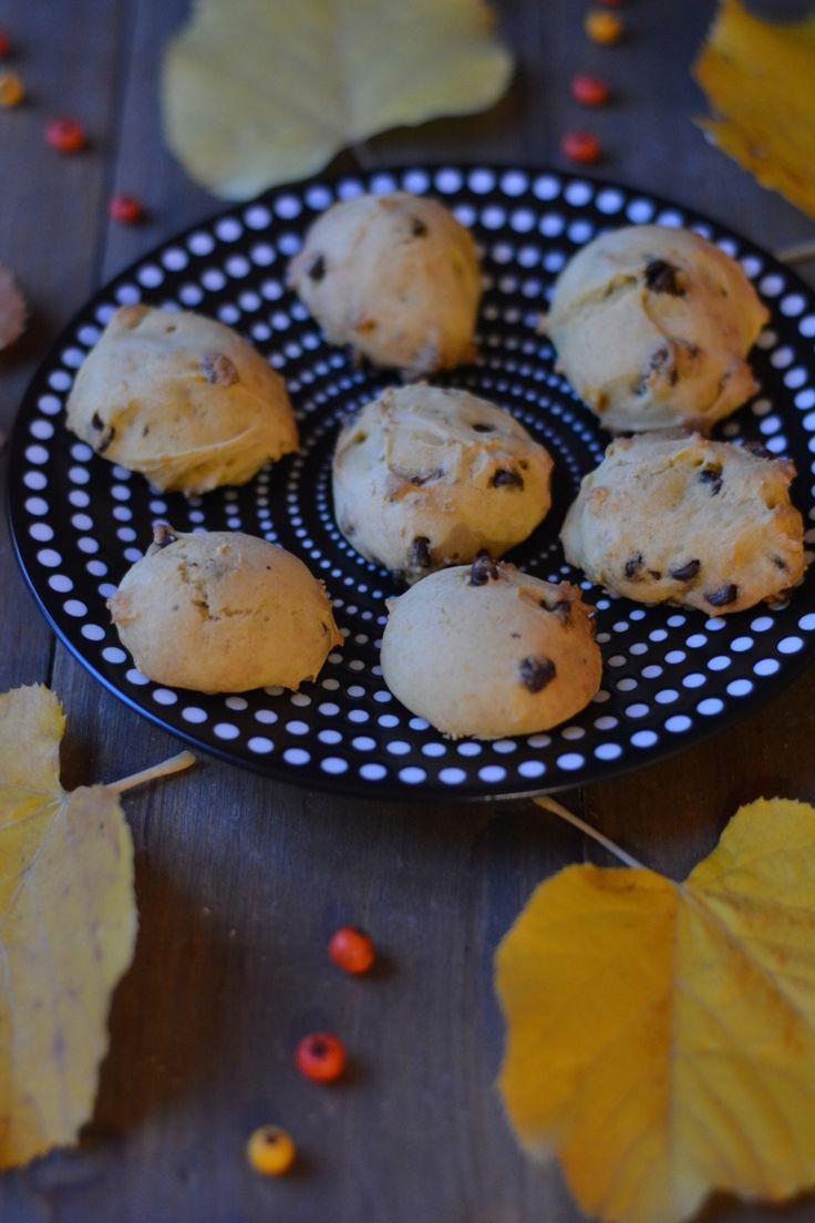 Pour fêter Halloween, je vous ai fait des petits cookies moelleux vegan au butternut. Ils ne sont pas très effrayants mais respectent le thème citrouille!