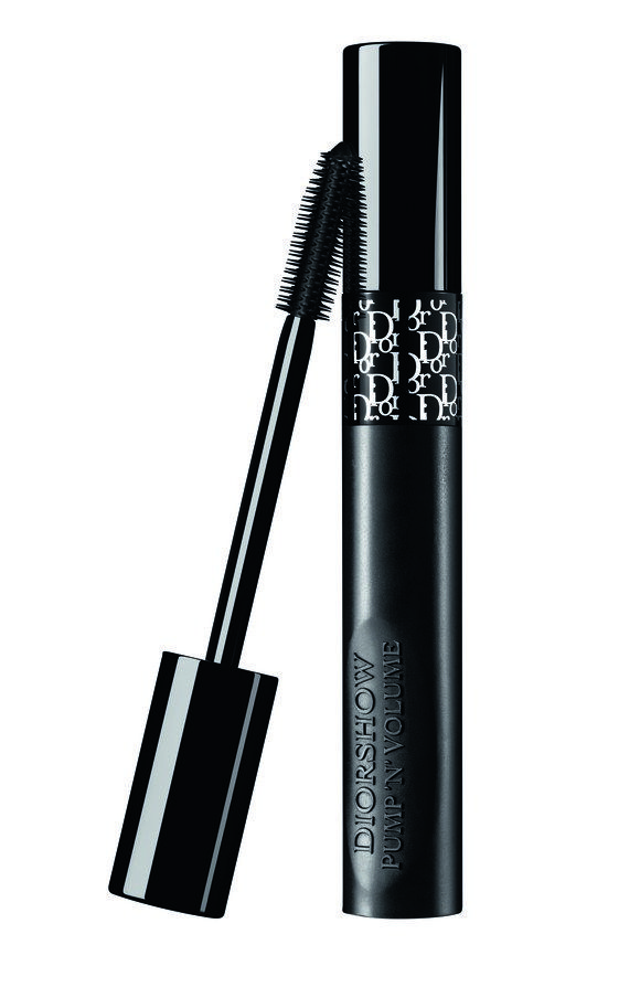 I've seen mascaras that bend, mascaras that vibrate, and mascaras that morph from one wand to another with the twist of the cap. But today, Dior just debuted a new mascara that squeezes backstage at Christian Dior's fall 2017 runway show. And the reason it squeezes may not be what you initially thought.