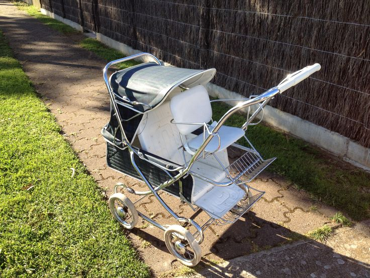 1970's steelcraft pram with toddler seat
