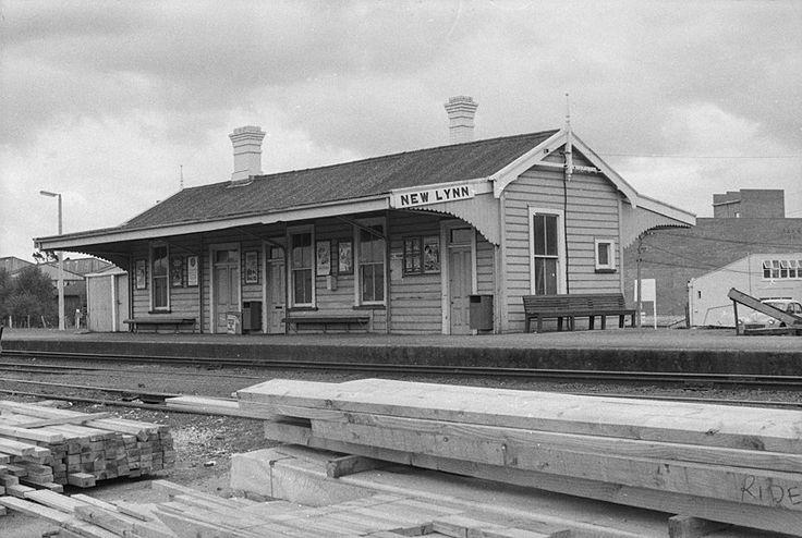 New Lynn Railway Station. 1972-76.