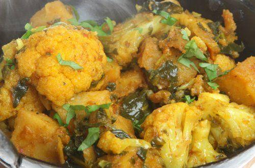 「アルゴビ」はインドではポピュラーなメニューの一つ。以外と少しのスパイスで簡単にできる本格的なインド料理を作ってみませんか?水を入れないので野菜の旨味のギュっと詰まったカレーができますよ。#レシピ#料理#健康#オーガニック#ビーガン