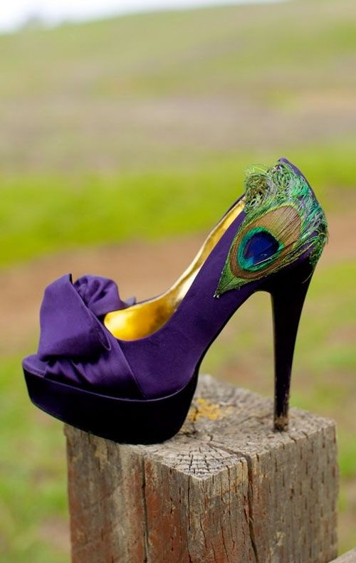 Can you believe this wedding shoe? WOW we are in love! Try this for a silk heavy purple multicultural wedding!