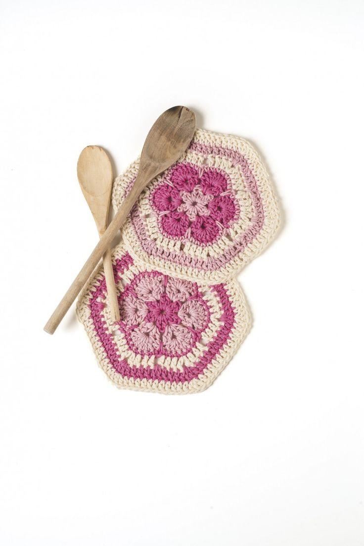 81 best African flower crochet images on Pinterest | African flowers ...