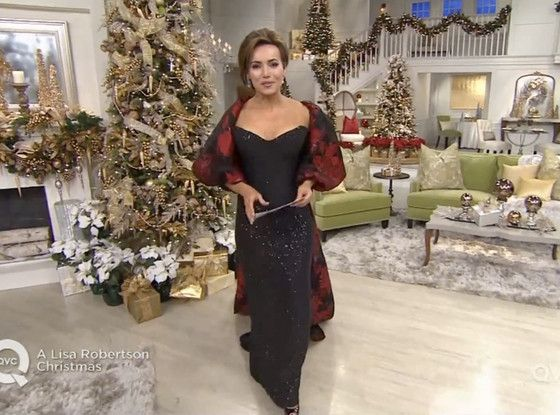 QVC Host Lisa Robertson Gets Emotional During Final Show, Thanks Shoppers for 20 Great Years  Lisa Robertson
