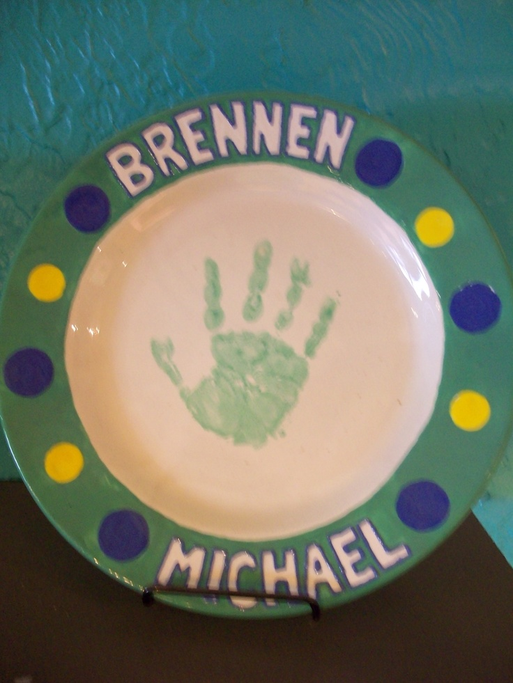17 best images about plates on pinterest reindeer for Handprint ceramic plate ideas