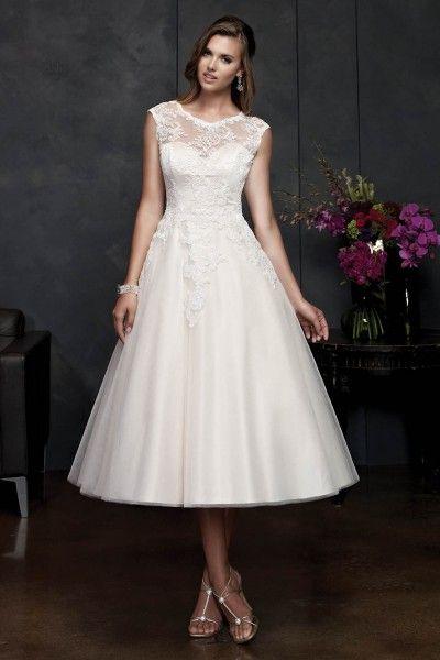 2015 Elegant Vintage Short Wedding Dresses UK With StrapsPrincessTulle FabricTea