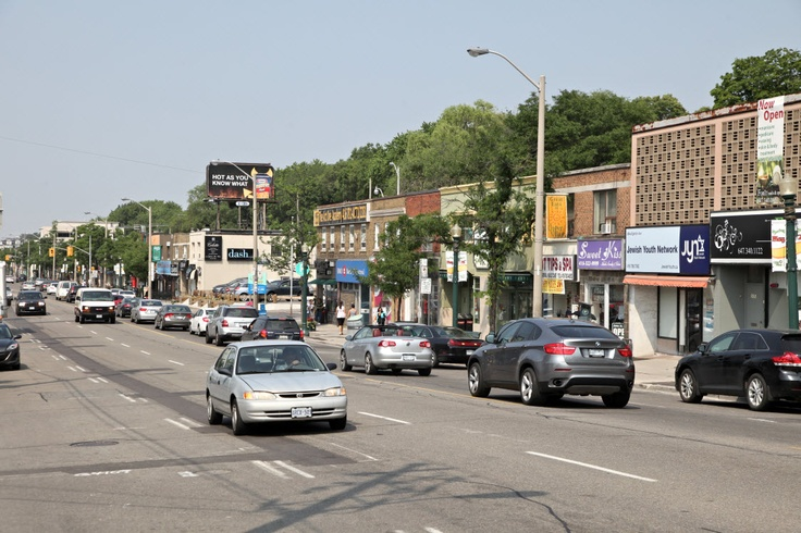 Lots of great shopping and dining in #Cedarvale #Toronto