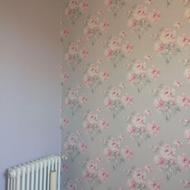 Chambre fille tapisserie laura ashley peinture tollens for Tapisserie chambre fille