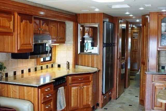 2008 Used Country Coach Inspire 360 Davinci Class A in Oregon OR.Recreational Vehicle, rv, RARE and GORGEOUS 2008 Country Coach Inspire 360 Quad Slide Davinci model with Morgan Color Scheme. This prime Class A Diesel Motorhome has been lovingly maintained. Propelling this coach is a 425 horsepower Cummins Turbo Diesel engine which is mated to an Allison 3000 automatic transmission with an electronic shifter. The coach has a great ride on full air suspension and is equipped with air brakes…
