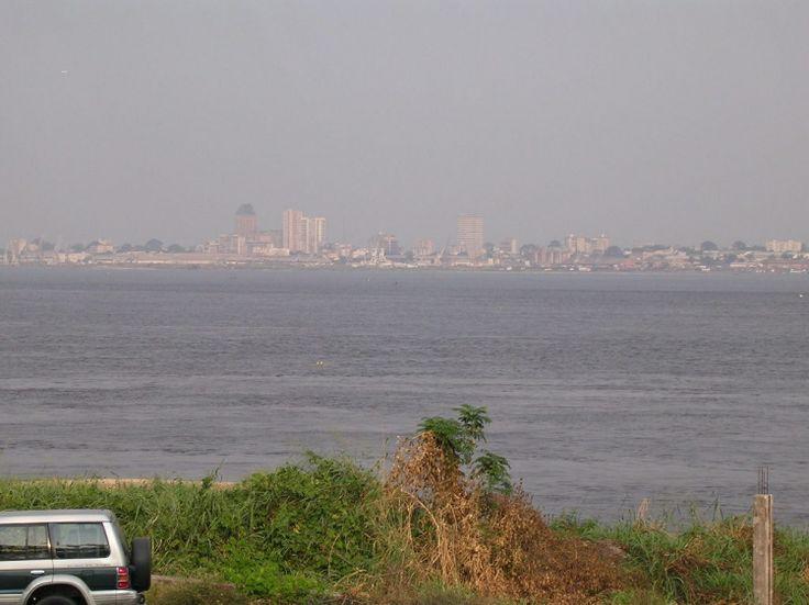 Fleuve Congo - Kinshasa vue de Brazzaville