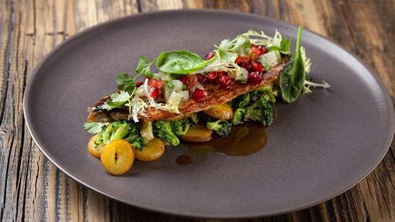 Жареная макрель с картофелем, брокколи и азиатским соусом , пошаговый рецепт с фото