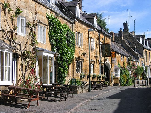 """2 May 2007.  """"Blockley, Gloucestershire, England, Uk""""  [JR P site on"""