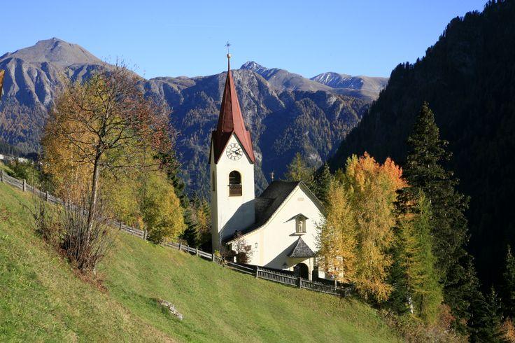 #Spiss, am Sonnenhang des Samnauntales auf 1.627 m Seehöhe zu finden, ist Österreichs höchstgelegene Gemeinde und das kleinste Dorf im #tiroleroberland.