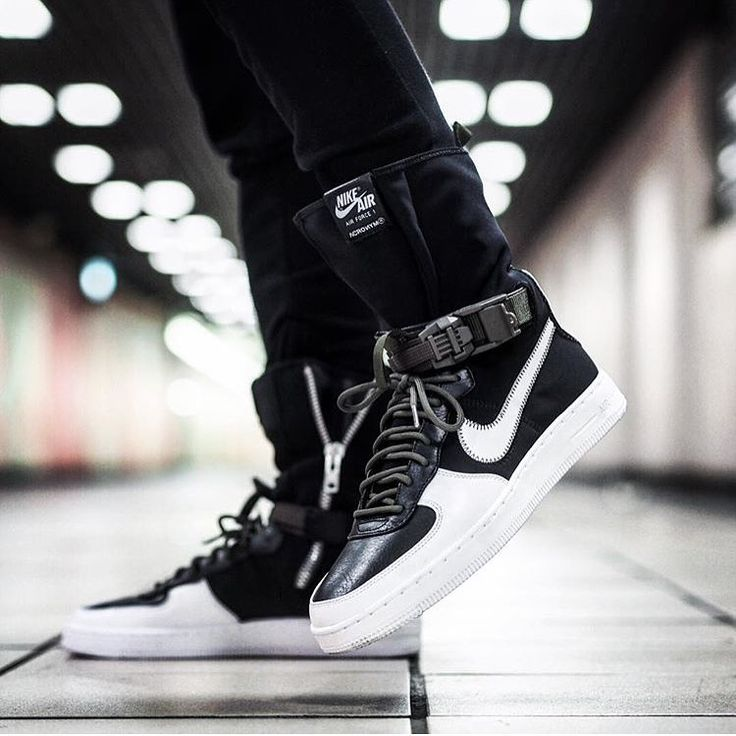 How do you like the new Acronym x Nike Air Force 1? Pic by @