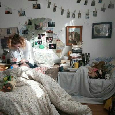 Photo clothesline indie room | Mixiomedia