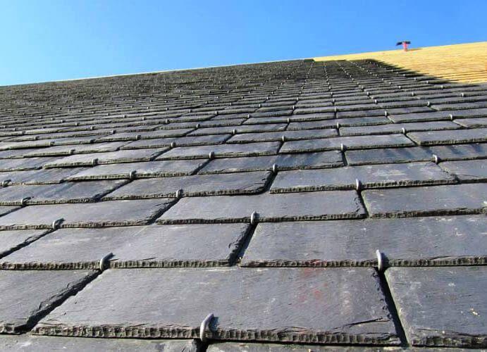 Les 25 meilleures id es de la cat gorie toit en ardoise sur pinterest chalet contemporain - Couverte d ardoises ...