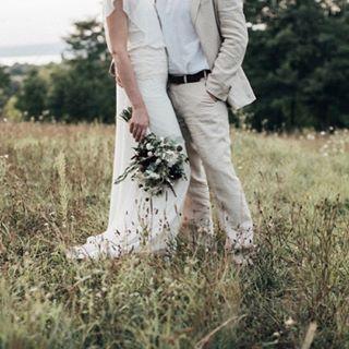 Planning, timing, photos de couple ou de groupe, préparatifs, aujourd'hui sur le blog je partage avec vous mes conseils pour vraiment profiter de votre #mariage !  @pinewoodweddings . . . #decomariage #mariageboheme #mariagenature #mariagekinfolk #mariee #blogmariage #decomariageboheme #inspirationmariage #lamarieeauxpiedsnus #LMAPN #wedding #weddingblog #kinfolkwedding #robesdemariee #simplewedding #naturewedding #wildwedding #sinspirersemarier