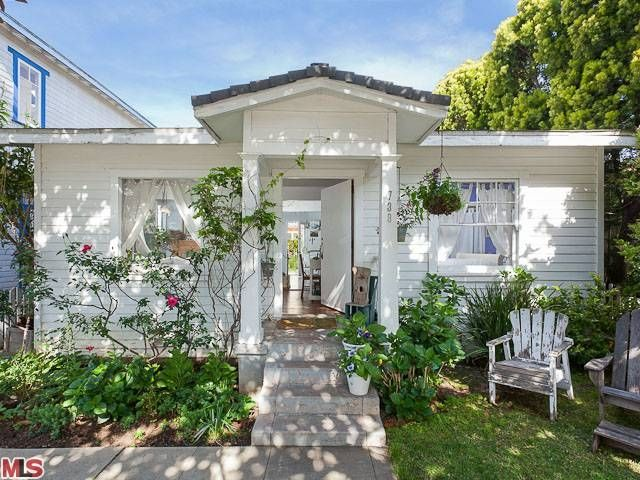Not-So-Shabby, but Chic in Venice; Rachel Ashwell's New Tiny Beach Bungalow.