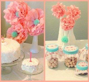 Pompones de flores como centros de mesa.