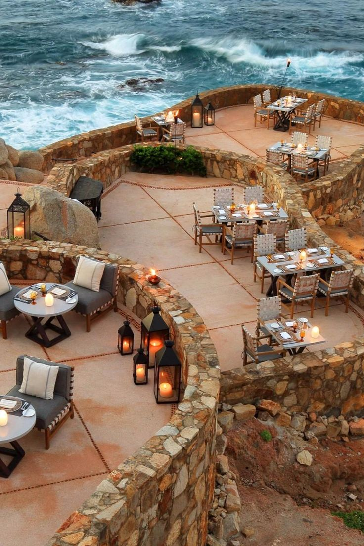 Reservations for resort's best cliffside tables. Esperanza Resort (Cabo San Lucas, Mexico)