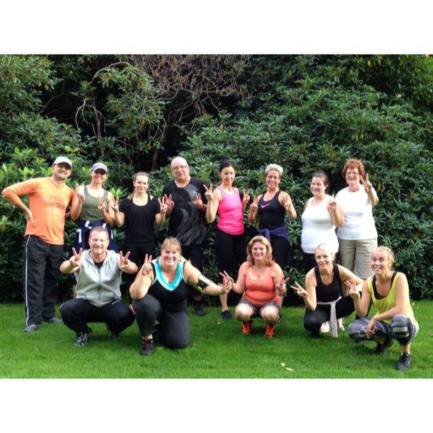 """5/9-14 Facebookgruppen """"Motion i Ramlösa"""" har gjort det igen. FredagsFYS-motion varje fredag i Brunnsparken kl.17:15-18-15. Välkommen du också!! ☀️"""