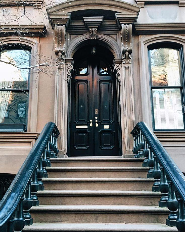 New York City Apts: New York City Has The Prettiest Brownstones. Major House