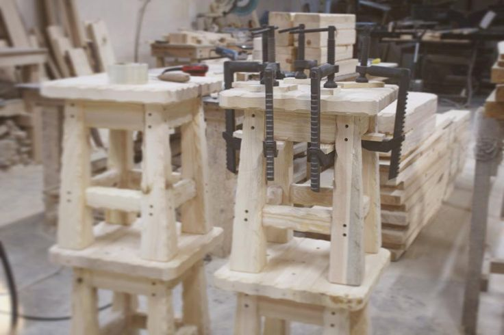 Ручная сборка стульев из дерева #wood #woodworking #woodart #handmade #eco  #homedecor #дерево #art #vscocam #nofilter #eco #photo #instagood #instaphoto #followme #nature #likstudio