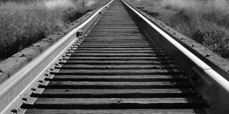 Τα τρένα... φύγαν και εγκαταλείφθηκε στη μοίρα του και το κτίριο του ΟΣΕ– Δείτε ΦΩΤΟ